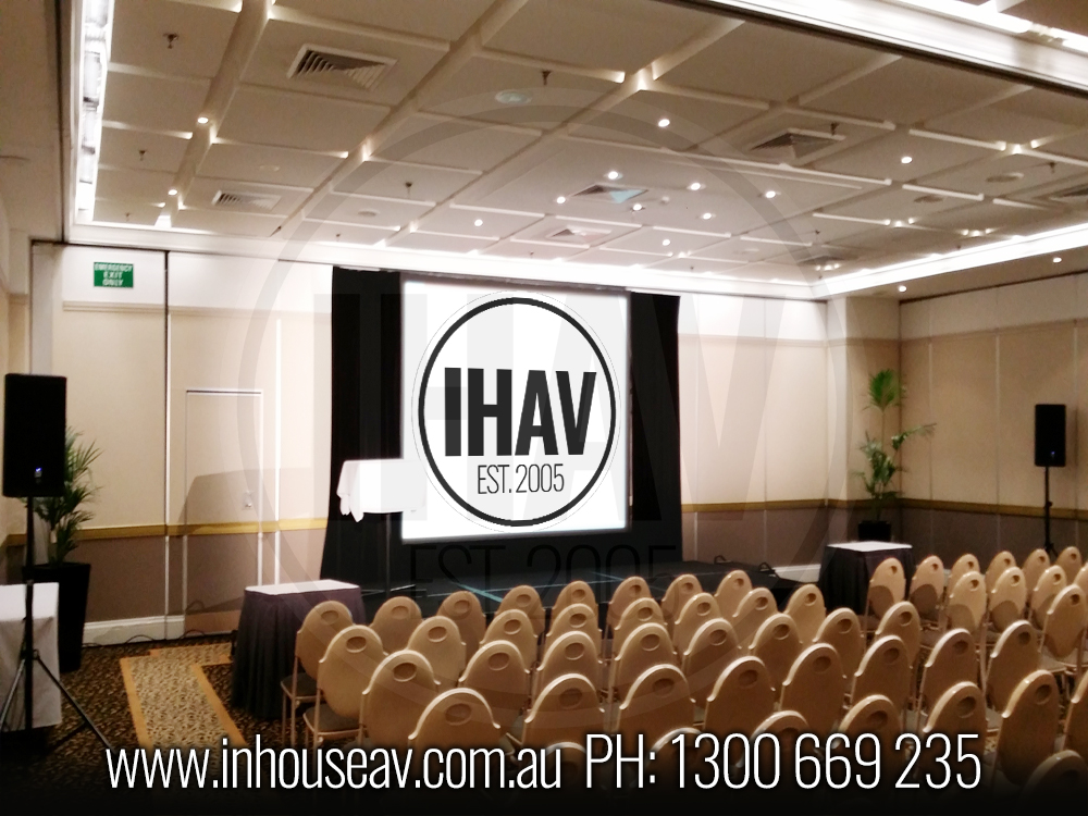 Bayview Boulevard Projection Screen Hire